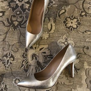 J. Crew Silver Cracked Leather Heels Pointed Toe 9